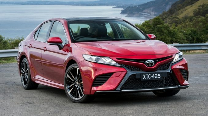2018-Toyota-Camry-Ascent-Hybrid-Review-1